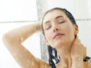 Мытье волос перед укладкой