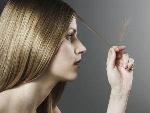 Польза воска для укрепления волос