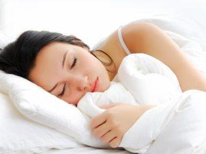 Польза хорошего сна для волос