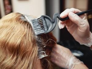 Вред окрашивание волос при кормлении грудью