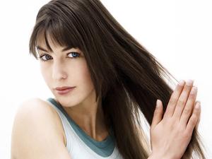 Растирание воска для волос