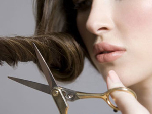 Самостоятельная стрижка волос