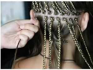 Процесс плетения афрокос