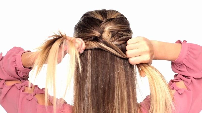 Формирование узла косы у основания