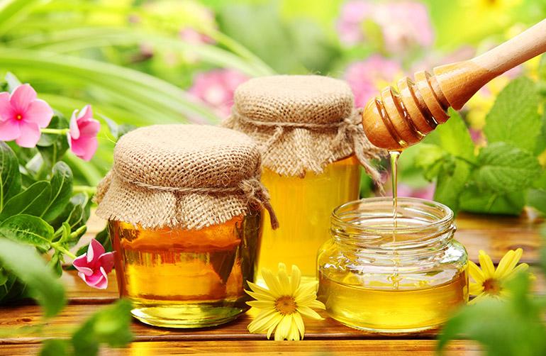 Обесцвечивание медом